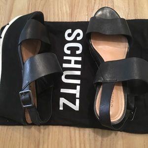 Schutz platforms size 8